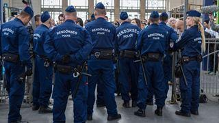 Φρουροί ασφαλείας έδιωξαν βουλευτές της αντπολίτευσης από το κτήριο της δημόσιας τηλεόρασης