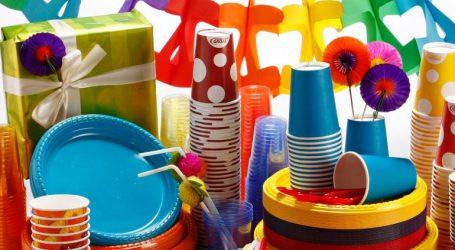 Οι Βρυξέλλες κατέληξαν σε συμφωνία για την απαγόρευση των πλαστικών προϊόντων μιας χρήσης