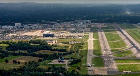 Το αεροδρόμιο του Γκάτγουικ ανέστειλε τις πτήσεις χθες το βράδυ μετά τον εντοπισμό drones