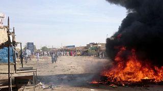 Οκτώ νεκροί σε κινητοποιήσεις εναντίον της αύξησης των τιμών ειδών πρώτης ανάγκης