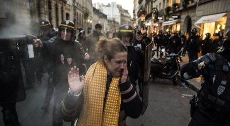 Οι πρόσφατες διαδηλώσεις στις γαλλικές πόλεις έπληξαν την επιχειρηματική εμπιστοσύνη και τις προοπτικές ανάπτυξης