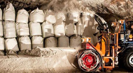 Εννέα μεταλλωρύχοι έχουν παγιδευτεί εξαιτίας του καπνού μέσα σε ορυχείο ποτάσας στο Σολικάμσκ