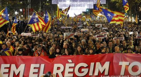 Στους δρόμους κατέβηκαν για μια ακόμα φορά δεκάδες χιλιάδες Καταλανοί
