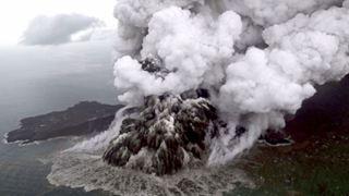 Κομμάτι που αποκολλήθηκε από το ηφαίστειο Κρακατόα προκάλεσε το πολύνεκρο τσουνάμι