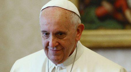 «Θυμηθείτε τους φτωχούς και απορρίψτε τον καταναλωτισμό» το χριστουγεννιάτικο μήνυμα του Πάπα