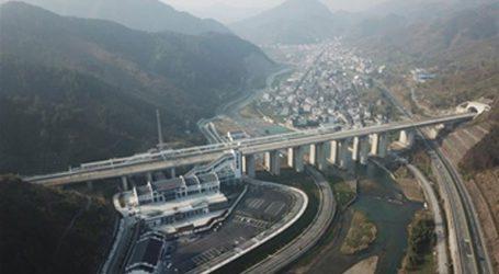 Χιλιάδες επισκέπτες προσελκύει το νέο θεματικό πάρκο εικονικής πραγματικότητας που άνοιξε στην Τζιανσί