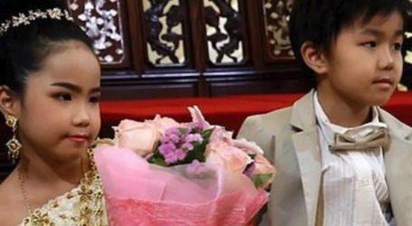 Γιατί πάντρεψαν δύο δίδυμα αδέλφια 6 ετών!