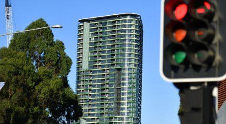 Για 2η φορά αναγκάστηκαν να εγκαταλείψουν τον 38ώροφο ουρανοξύστη λόγω ρωγμής