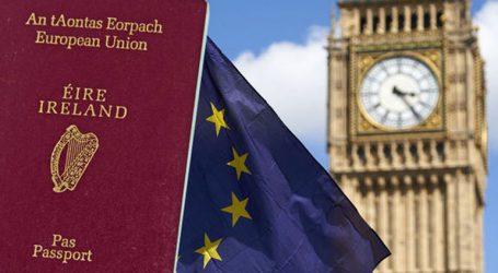 Κατά 22% αυξήθηκε το 2018 ο αριθμός των Βρετανών που υπέβαλαν αιτήσεις για ιρλανδικό διαβατήριο
