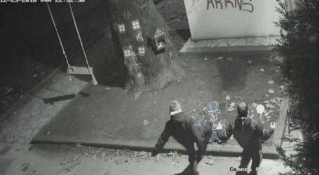 O δήμαρχος Τρικάλων «έβγαλε στη σέντρα» νεαρούς που βανδάλιζαν στολίδια της πόλης