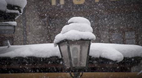 Χιονίζει από το απόγευμα σε περιοχές βόρεια της Θεσσαλονίκης