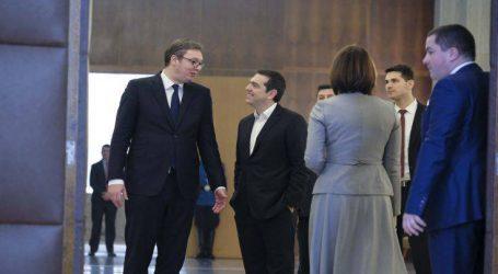 Με Θεσσαλονίκη και Μουντιάλ η ατζέντα Τσίπρα στο Βελιγράδι