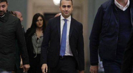 Η Ιταλία… πετάει το μπαλάκι στην Κομισιόν για τις εξαγγελίες του Μακρόν