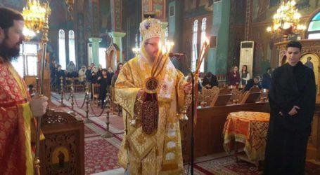 Ο Ιερώνυμος στο Αρμένιο στην Αρχιερατική θεία Λειτουργία