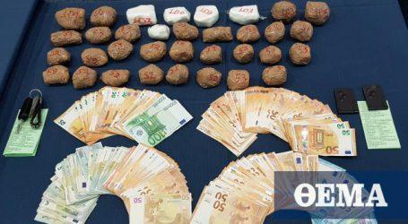 Κρύπτες στο Ι.Χ. αλλοδαπού έκρυβαν δυο κιλά κοκαΐνης