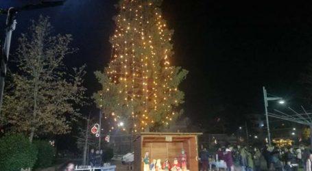 Με χορούς και τραγούδια άναψε το Χριστουγεννιάτικο Δέντρο της Φιλιππούπολης (φωτο)