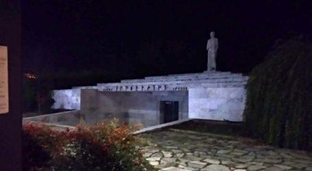 Λάρισα, η πόλη του Ιπποκράτη που όμως έχει στο… σκοτάδι το μνημείο του; (φωτό)