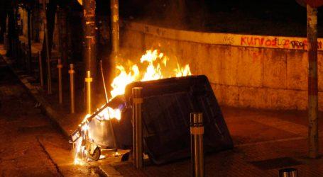 Φωτιά σε κάδο απορριμμάτων στον Βόλο