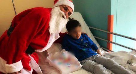 Τον Άγιο Βασίλη έφερε… ο Γιώργος Κατσιαντώνης στους μικρούς ασθενείς του ΠΓΝΛ