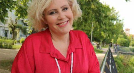 Στο πλευρό του Διαμάντου παραμένει η Κατερίνα Στογιάννη: «Χρησιμοποιήθηκαν το όνομα και η υπογραφή μου…»