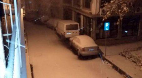 Πυκνό χιόνι κάλυψε στην Κοζάνη