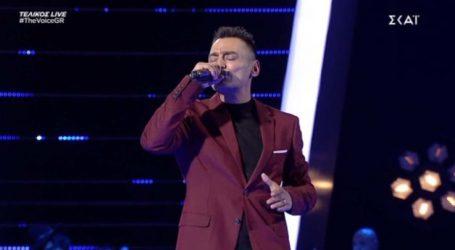 Ο Λαρισαίος Ζάχος Καραμπάσης συγκλόνισε με την ερμηνεία του στον τελικό του The Voice (φωτο-βίντεο)