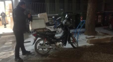 Διανομείς παντός καιρού στη Λάρισα – Τι μας λένε για το επάγγελμά τους και τις δυσκολίες που ενέχει