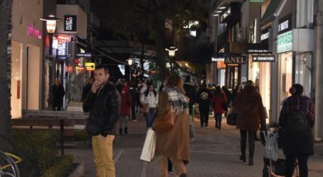 """Με """"σούπερ"""" εκπτώσεις ξεκίνησαν οι προσφορές στη Λάρισα – Ζωηρή η κίνηση στην αγορά (φωτορεπορτάζ)"""
