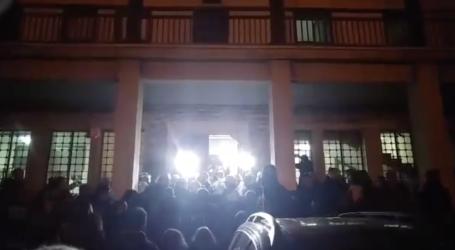 Συγκρούσεις πολιτών – Αστυνομίας στον Βόλο λόγω Σκουρλέτη. Δείτε βίντεο