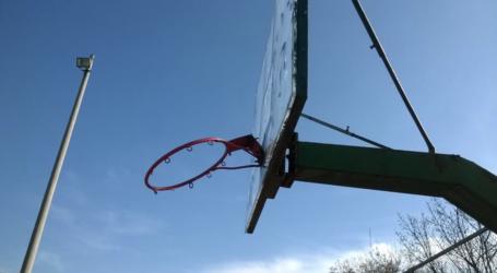 Εικόνες εγκατάλειψης στο αθλητικό πάρκο της Ανθούπολης – Δείτε φωτογραφίες