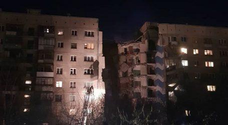 Συνεχίζονται οι προσπάθειες διάσωσης παγιδευμένων μετά την κατάρρευση πολυκατοικίας