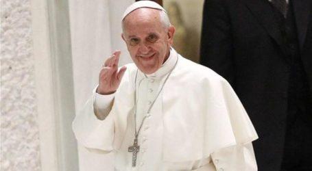 Την έλλειψη ενότητας σε ολόκληρο τον κόσμο επεσήμανε στην ομιλία του ο Πάπας