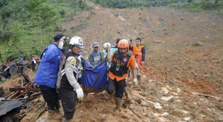 Τουλάχιστον 15 νεκροί και δεκάδες αγνοούμενοι εξαιτίας κατολίσθησης στην Ιάβα