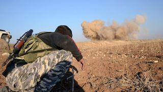 Τουλάχιστον 50 νεκροί σε συγκρούσεις μεταξύ τζιχαντιστών και ανταρτών στη βορειοδυτική Συρία
