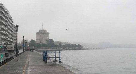 Χιονίζει σε όλους τους νομούς της Μακεδονίας και στα ορεινά της Θεσσαλονίκης