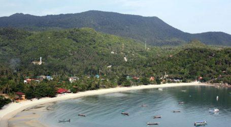 Δεκάδες χιλιάδες τουρίστες εγκαταλείπουν τα νησιά του κόλπου της Ταϊλάνδης