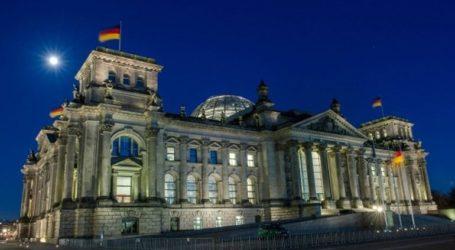 Επίθεση χάκερ σε εκατοντάδες Γερμανούς πολιτικούς