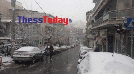 Στα λευκά η Θεσσαλονίκη – Αρκετά προβλήματα και στο κέντρο της πόλης
