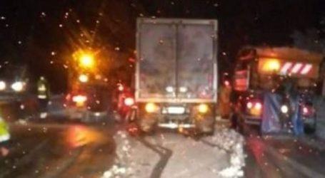 Διακόπηκε η κυκλοφορία των φορτηγών στην εθνική οδό Αθηνών