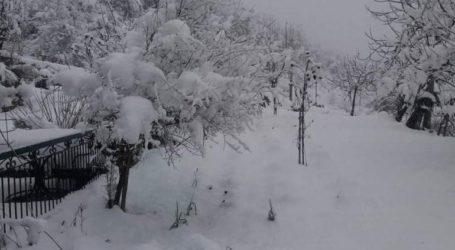 Σφοδρή χιονόπτωση στα ορεινά της Ναυπακτίας