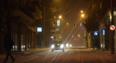 Σε παγοδρόμιο έχουν μετατραπεί οι δρόμοι στην Κοζάνη