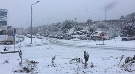 Πυκνή χιονόπτωση σε όλη την ανατολική Μακεδονία με προβλήματα στην μετακίνηση οχημάτων και πεζών