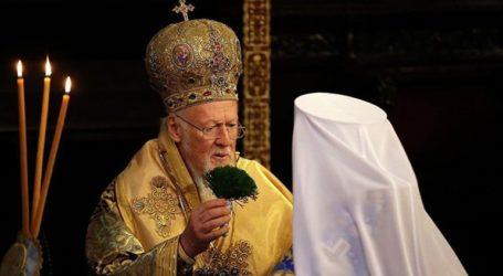 Ο Βαρθολομαίος παρέδωσε στο Κίεβο τον Τόμο για την αυτοκεφαλία της Ουκρανικής Εκκλησίας