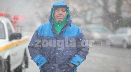Χιονίζει στη Μαλακάσα
