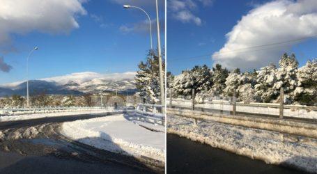 Στα 40 εκατοστά το χιόνι στα βόρεια του Νομού Αττικής