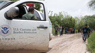 Περισσότεροι από 50.000 μετανάστες συνελήφθησαν τον Δεκέμβριο στα σύνορα των ΗΠΑ