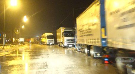Ουρές φορτηγών από την απαγόρευση κυκλοφορίας στην Εγνατία Οδό