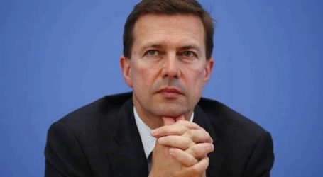Τις δηλώσεις Μέρκελ προβάλλει στα κοινωνικά δίκτυα ο κυβερνητικός εκπρόσωπος της Γερμανίας