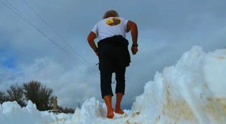 Μαραθωνοδρόμος έτρεξε ξυπόλητος στον χιονισμένο Ψηλορείτη!