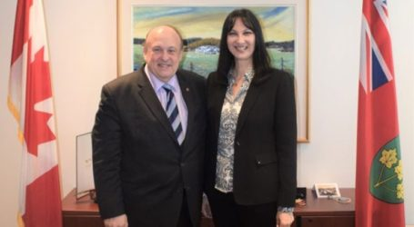 Συνάντηση Κουντουρά με τον υπουργό Τουρισμού του Οντάριο για την προώθηση του ελληνικού τουρισμού